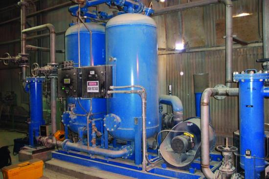 Heated blower desiccant dryer