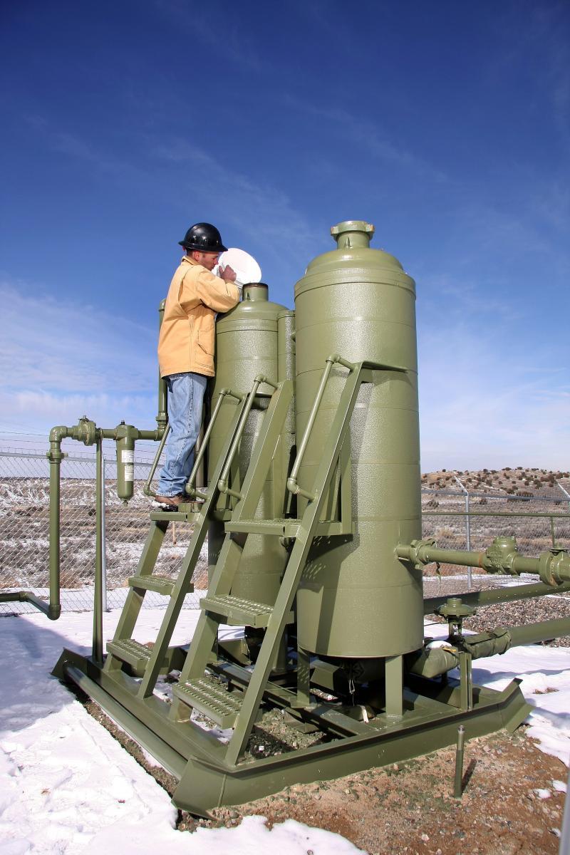 Natural Gas Deliquescent Dehydrator Applications